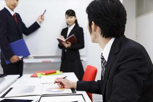 コピーライターの種類や役割から向く人、求人や収入まで